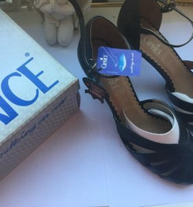 новые босоножки туфли caprice 37,5