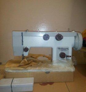 Швейная машинка НОВАЯ