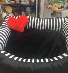 Лежаки для кошек и собак