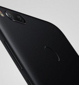 Xiaomi Mi A1 4/64 (3 чехла и пленка)