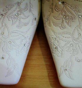 Белые туфли 34р.