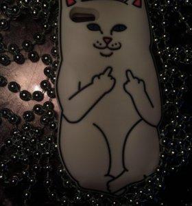Чехлы на iPhone 5s