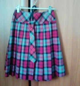 Школьные юбка жилетка,и галстук