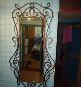 Кованное зеркало