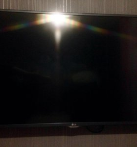 Телевизор LG 106 см[42]