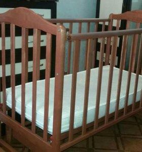 Срочно! Детская кроватка-маятник с матрацем. Торг.