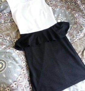 Деловое платье с баской