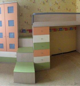 Детская мебель двухъярусная (шкаф, кровать, полки)