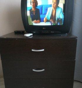 Комод и телевизор