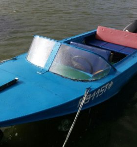 Лодка Днепр с мотором