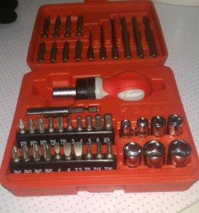 инструменты отвертки набор