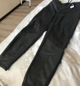Спортивные, мужские брюки «adidas» , новые