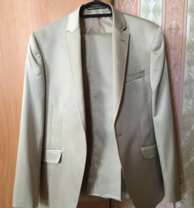 Новый мужской костюм 46 размер
