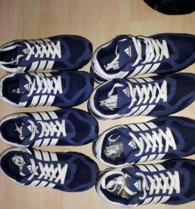 Новые кроссовки 42размер