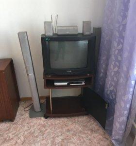 Телевизор и кинотеатр