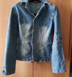 Джинсовая куртка (джинсовка)