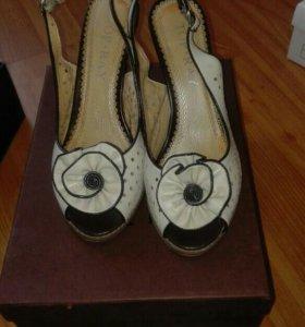 Туфли с открытым носом и пяткой