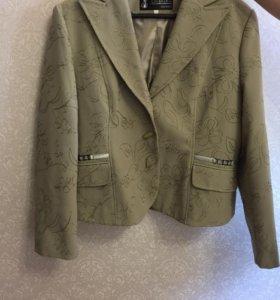 Костюм пиджак и юбка новый