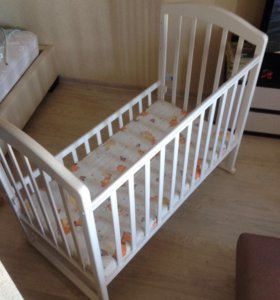 Детская кровать с матрацом