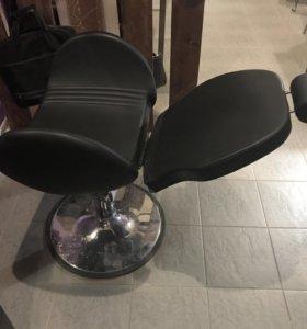 Кресло с откидной спинкой