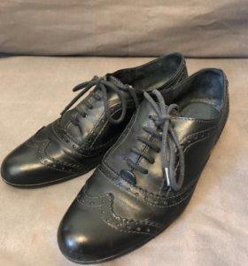 Ботинки туфли р.40