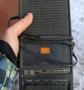 Hitachi cassette recorder TRQ 247