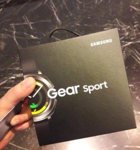 Умные часы Samsung Gear Sport Black