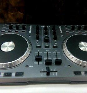 DJ пульт
