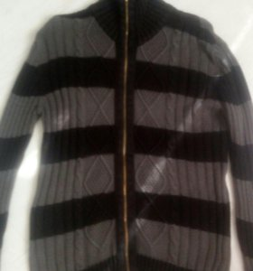 Мужской свитер на молнии