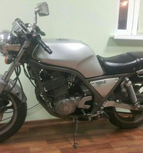 Yamaha srx 600. Ямаха 600 кубов.