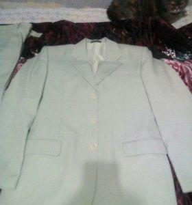 Костюм брюки и пиджак