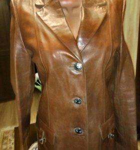 Кожаный пиджак р. 48-50