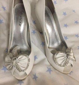 Туфли белые свадебные, р.38