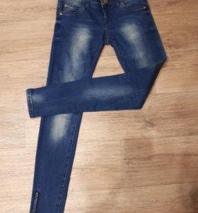 Продам новые джинсы Бершка