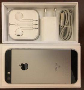 iPhone SE 32 Gb. Полный комплект + 4 чехла