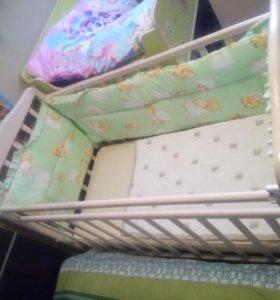 Детская кроватка+матрас +бортики+пеленальная доска