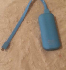 Продам портативное зарядное устройство (5600 mAh)