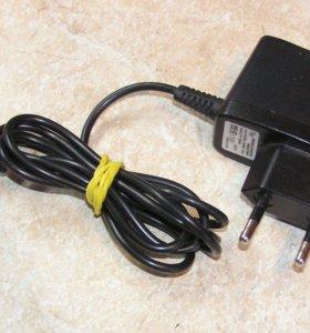 Зарядник для сотового 500mA micro USB новый