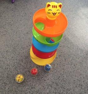 Пирамидка-горка с шариками