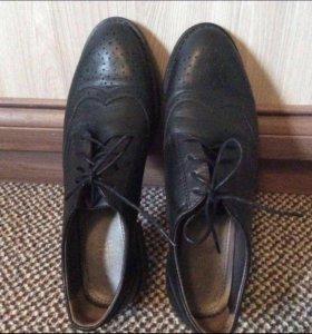 Женские кожаные туфли  Ralf