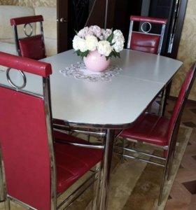 Продам стол обеденный и стулья