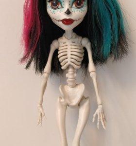 Кукла Monster High Скелита Калаверас и аксессуары