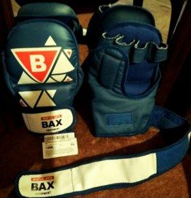 Новые перчатки для единоборств MMA