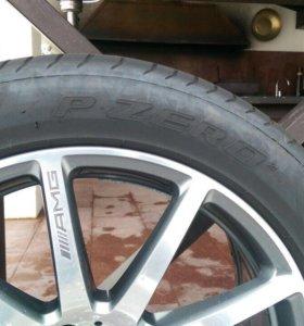 Pirelli P Zero 255/45/19 с дисками AMG