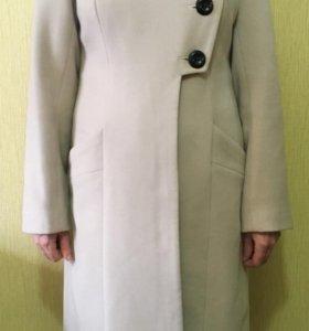 Женское,демисезонное пальто 46 р-р