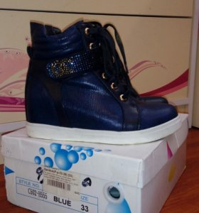 Продам ботиночки из экокожи для девочки