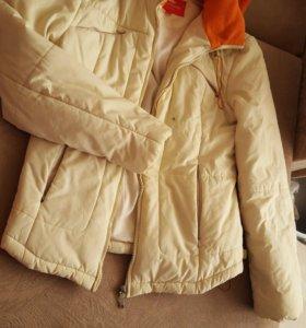 Куртка бежевая демисезон
