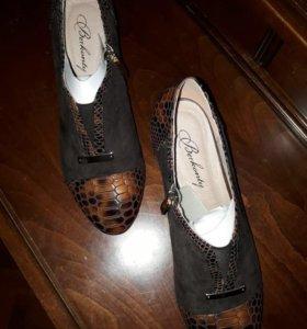 Туфли натуральная замша,натуральная лаковая кожа
