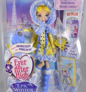 Кукла Блонди Локс зимняя