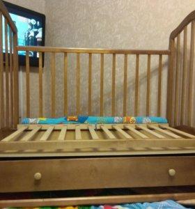 Кроватка качалка/колесики с ящиком отл состояние